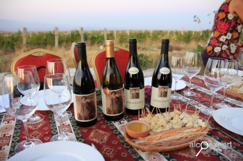 Вино Армении. Винодельня VOSKENI у подножия АРАРАТ. ФОТО